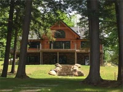 Hammond Haven - Luxury waterfront log and timber chalet with beach volleyball court!